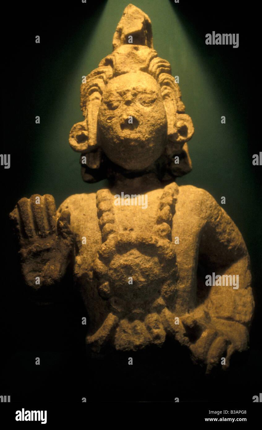 sculpture-of-the-maya-maize-god-museo-de