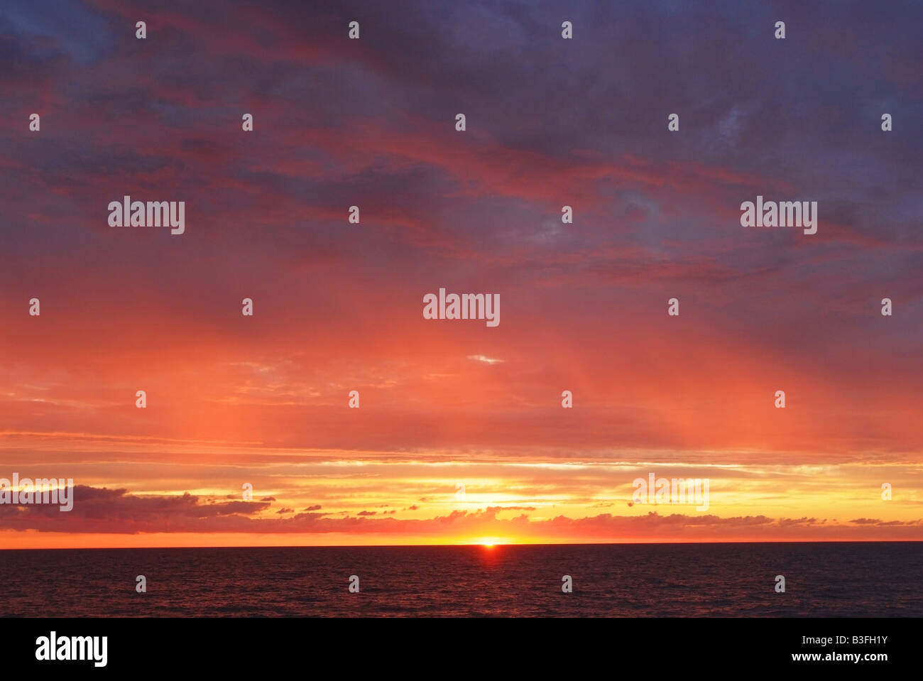 atlantic-ocean-ocean-city-maryland-beach-sunrise-B3FH1Y.jpg