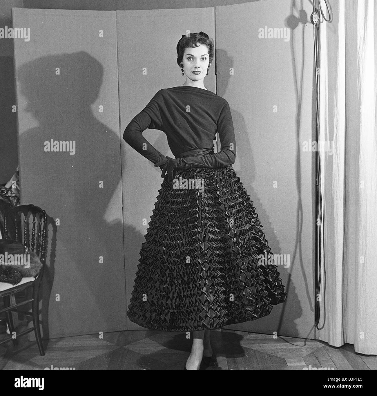 1950s Fashion Style Stock Photos & 1950s Fashion Style ...