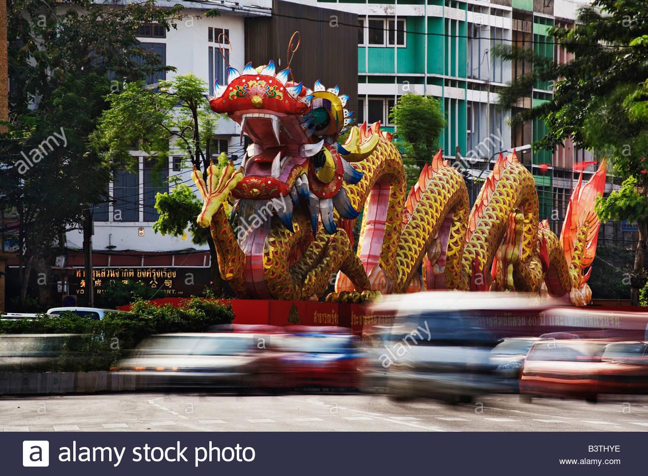 Large decorative dragon, Odeon Circle, Chinatown, Bangkok, Thailand - Stock Image