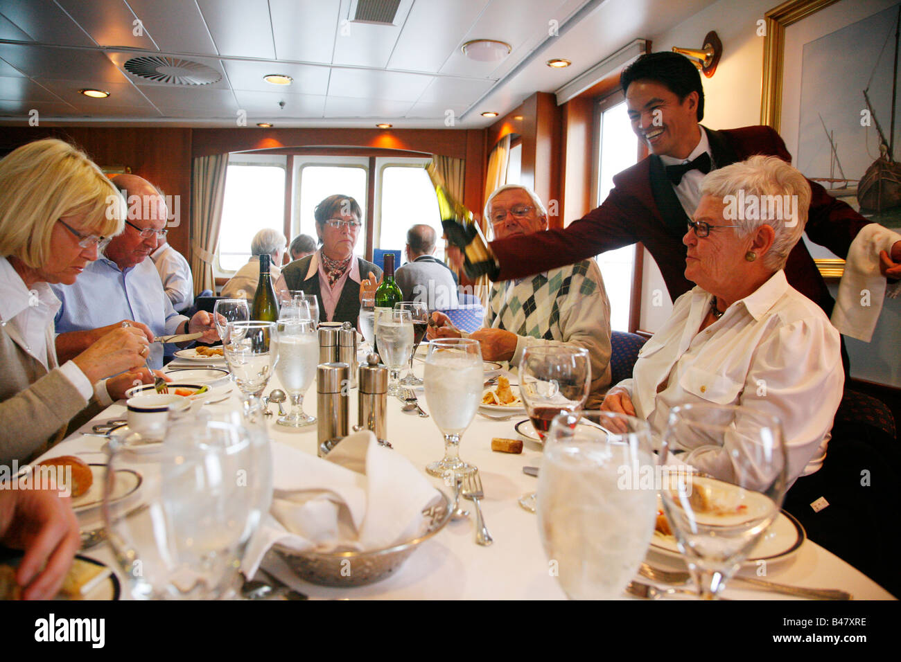 Aug 2008 - People eating on board the Clipper Adventurer ...
