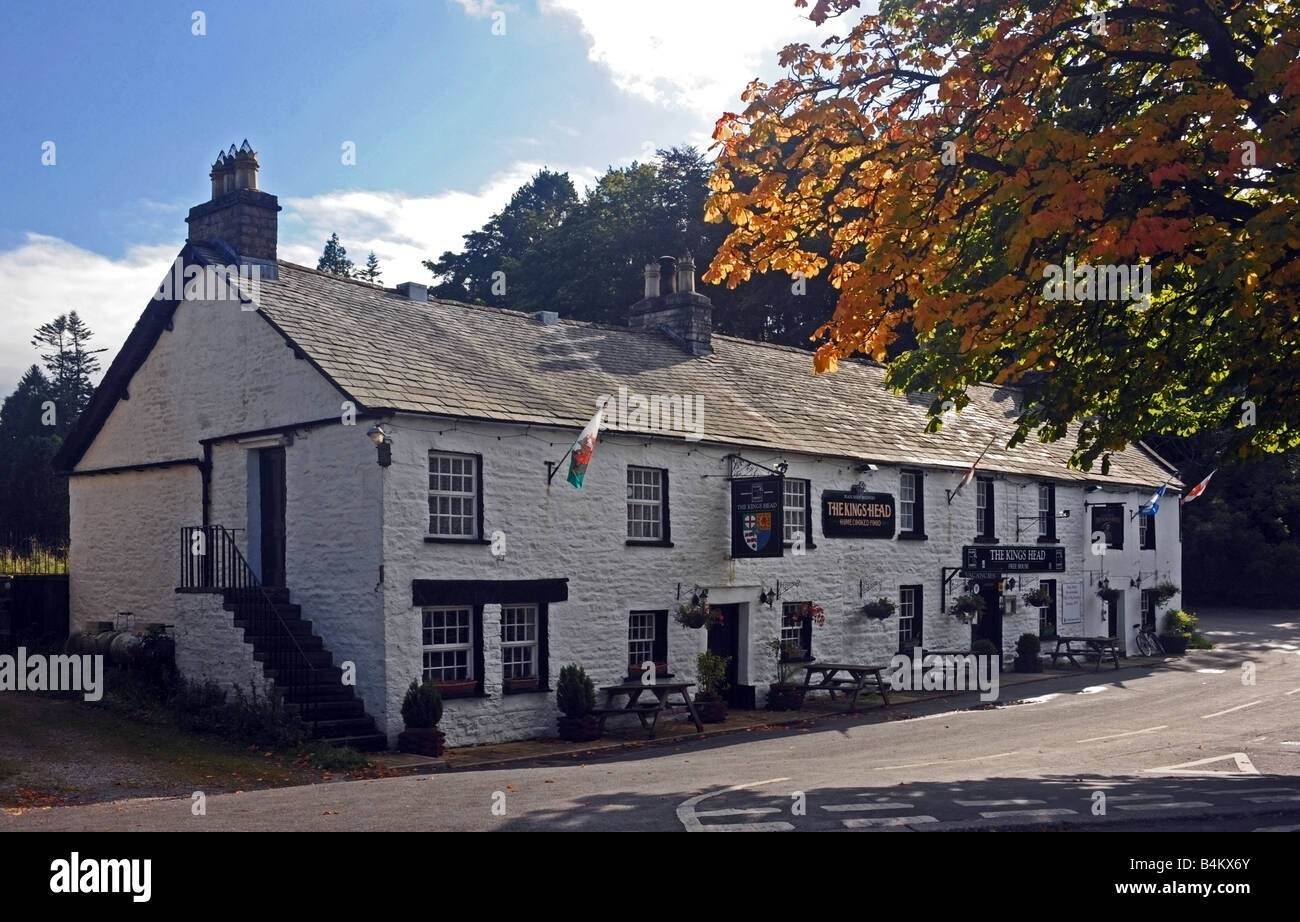 the-kings-head-inn-ravenstonedale-cumbria-england-united-kingdom-europe-B4KX6Y.jpg