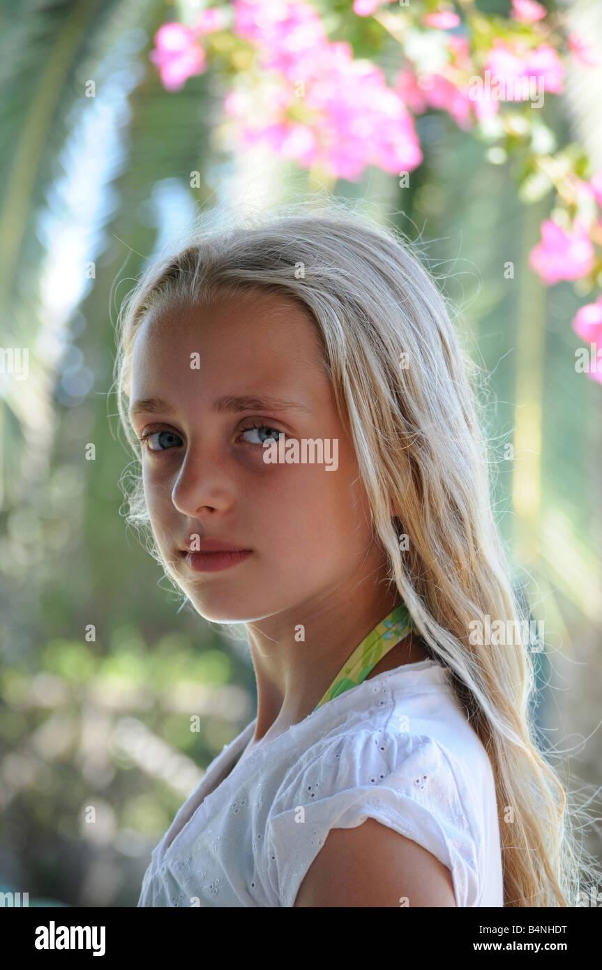 young light skin girl nude