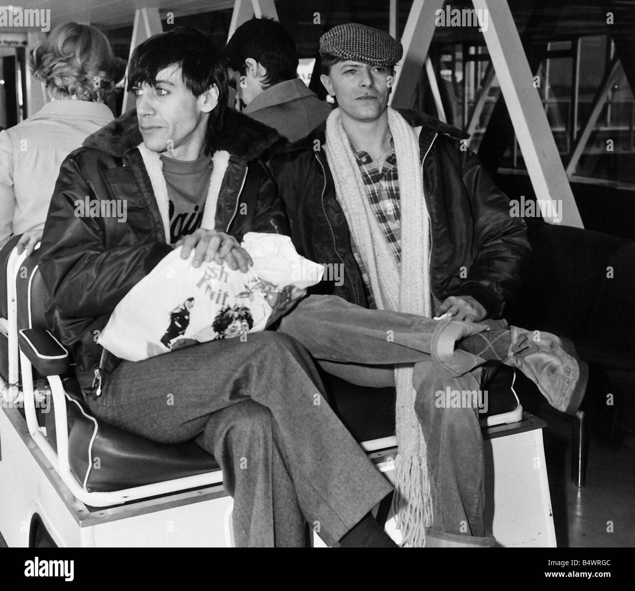 David Bowie and Iggy Pop singers 1977 Stock Photo