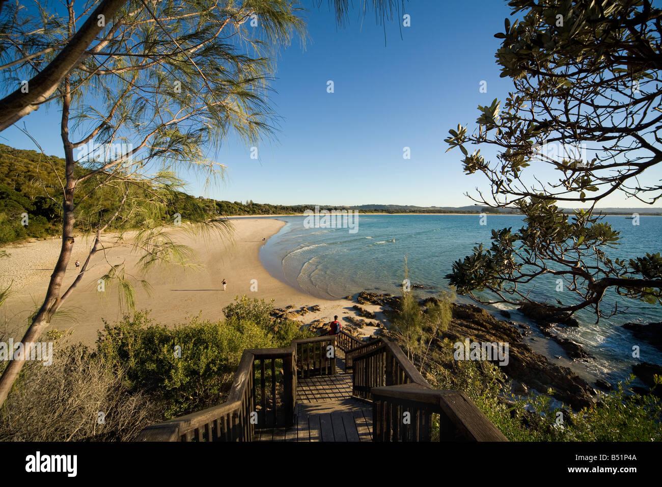 https://c7.alamy.com/comp/B51P4A/byron-bay-beach-view-from-the-pass-clarkes-beach-byron-bay-nsw-australia-B51P4A.jpg