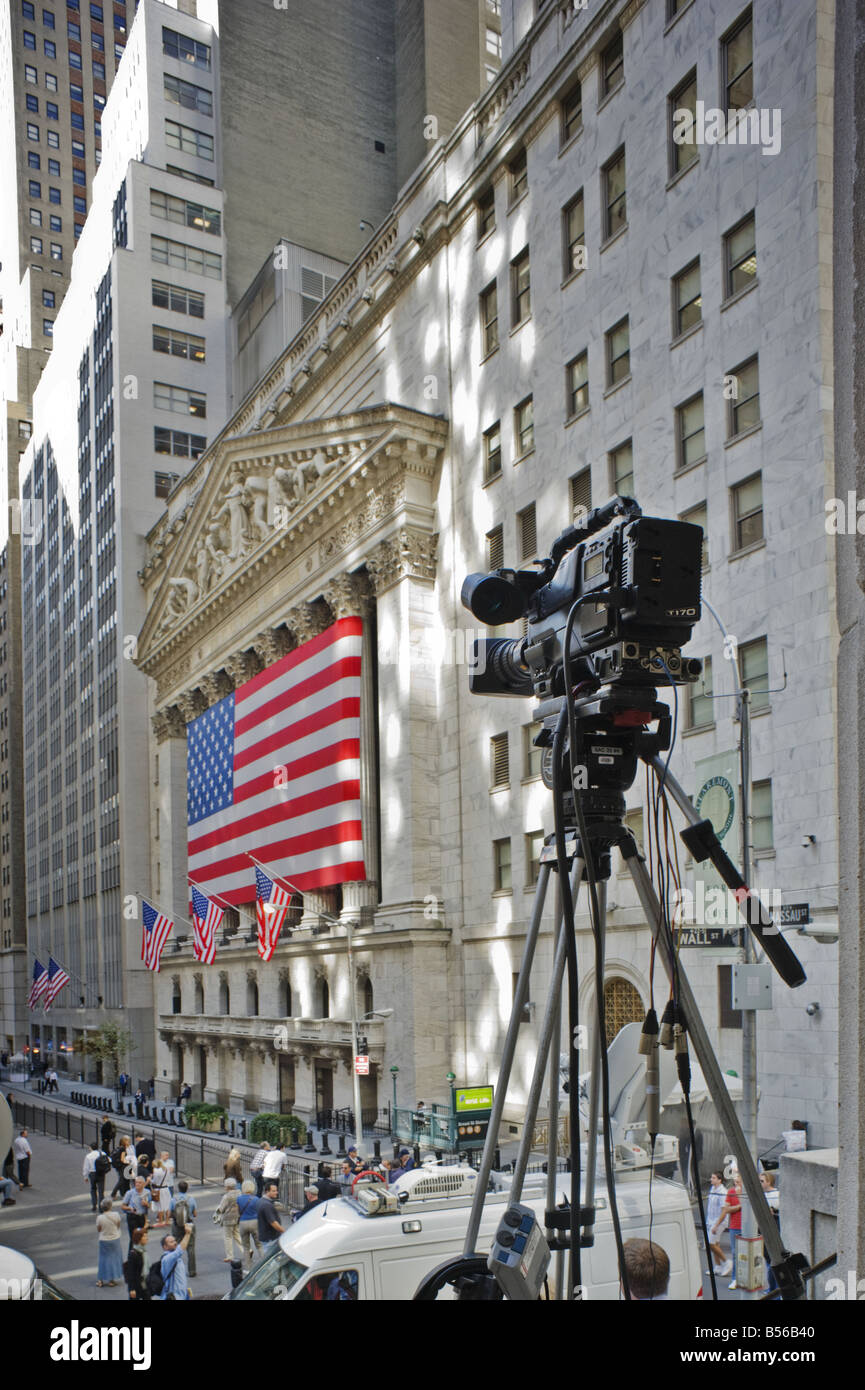 Television camera overlooks Wall Street, New York, during the 2008 credit crunch financial crisis - Stock Image