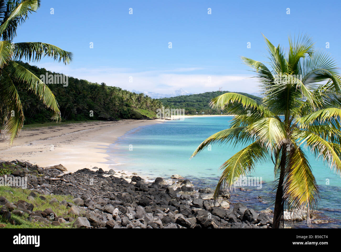 pristine-white-sand-caribbean-beach-on-b