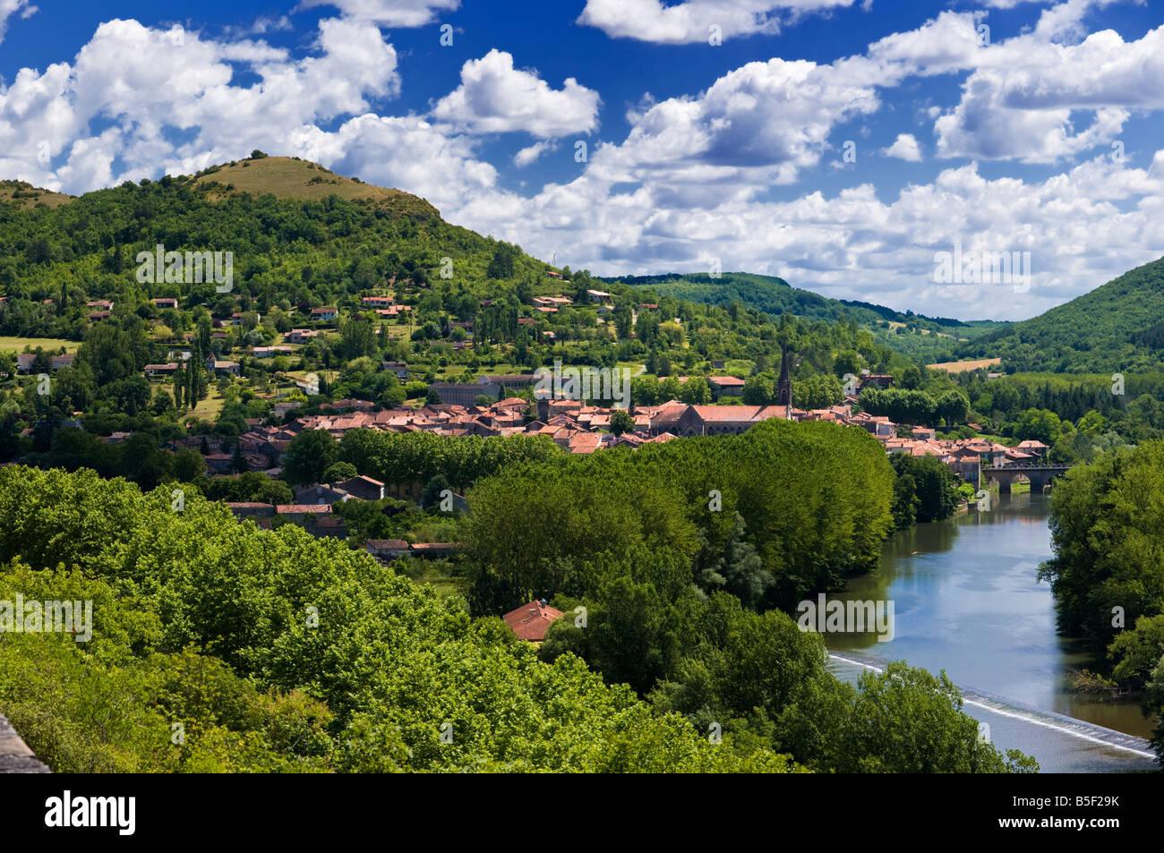 Saint Antonin Noble Val and the River Aveyron, Tarn et Garonne, France Europe - hires capture - Stock Image