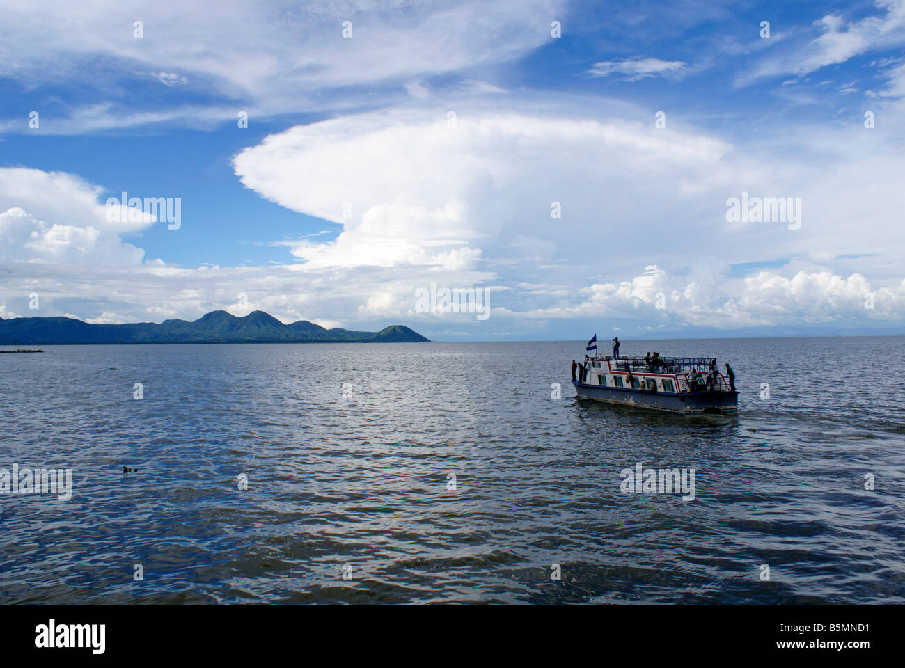 passenger-ferry-on-lake-managua-or-lago-