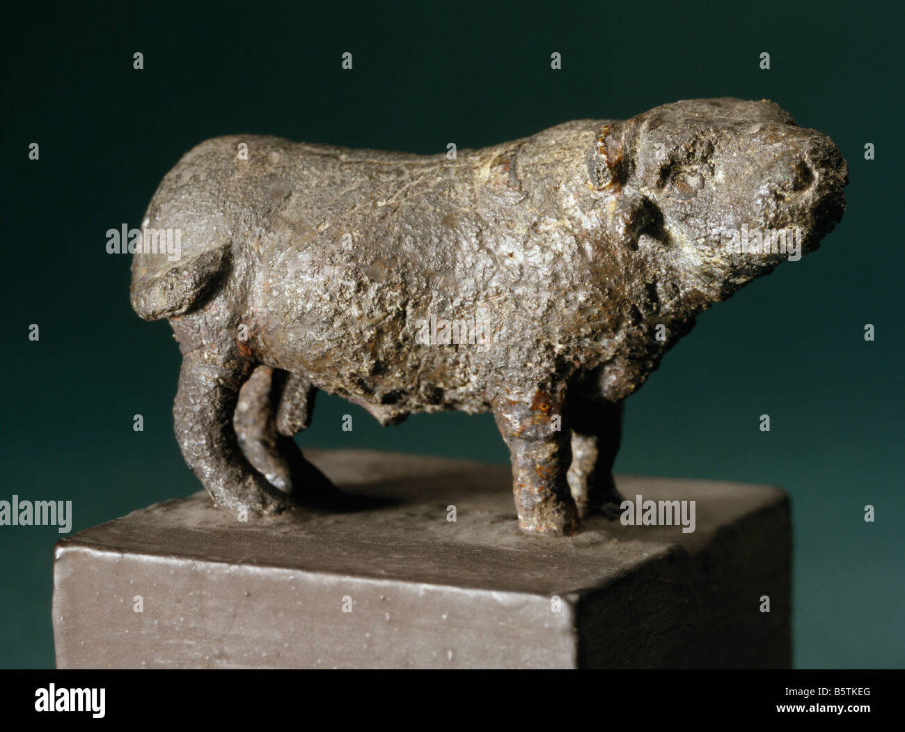 Buffalo in bronze Harappan c. 2300-1750bc from Mohan Jodaro Sind Pakistan. National Museum of New Delhi India 3319/197 - Stock Image