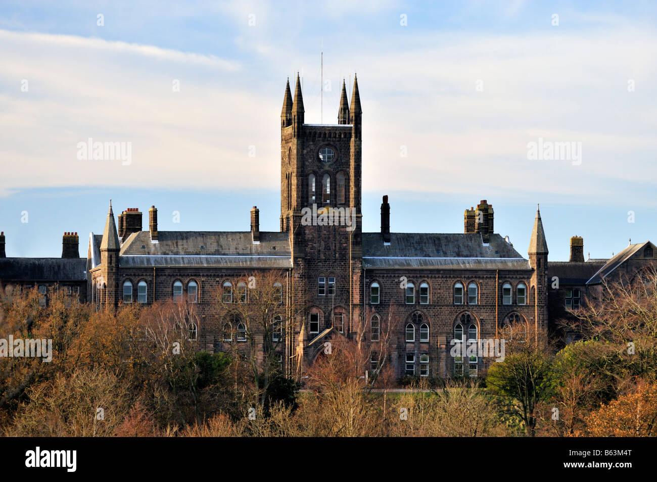 lancaster-moor-hospital-the-former-lancashire-county-asylum-lancaster-B63M4T.jpg