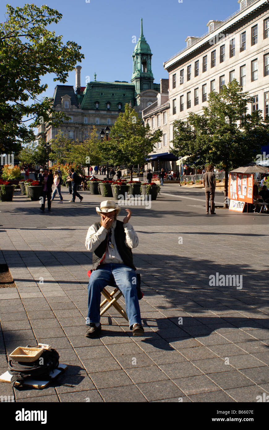 french-canadian-harmonica-player-in-plac