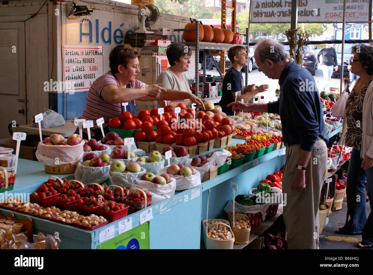 people-shopping-at-a-fruit-and-vegetable