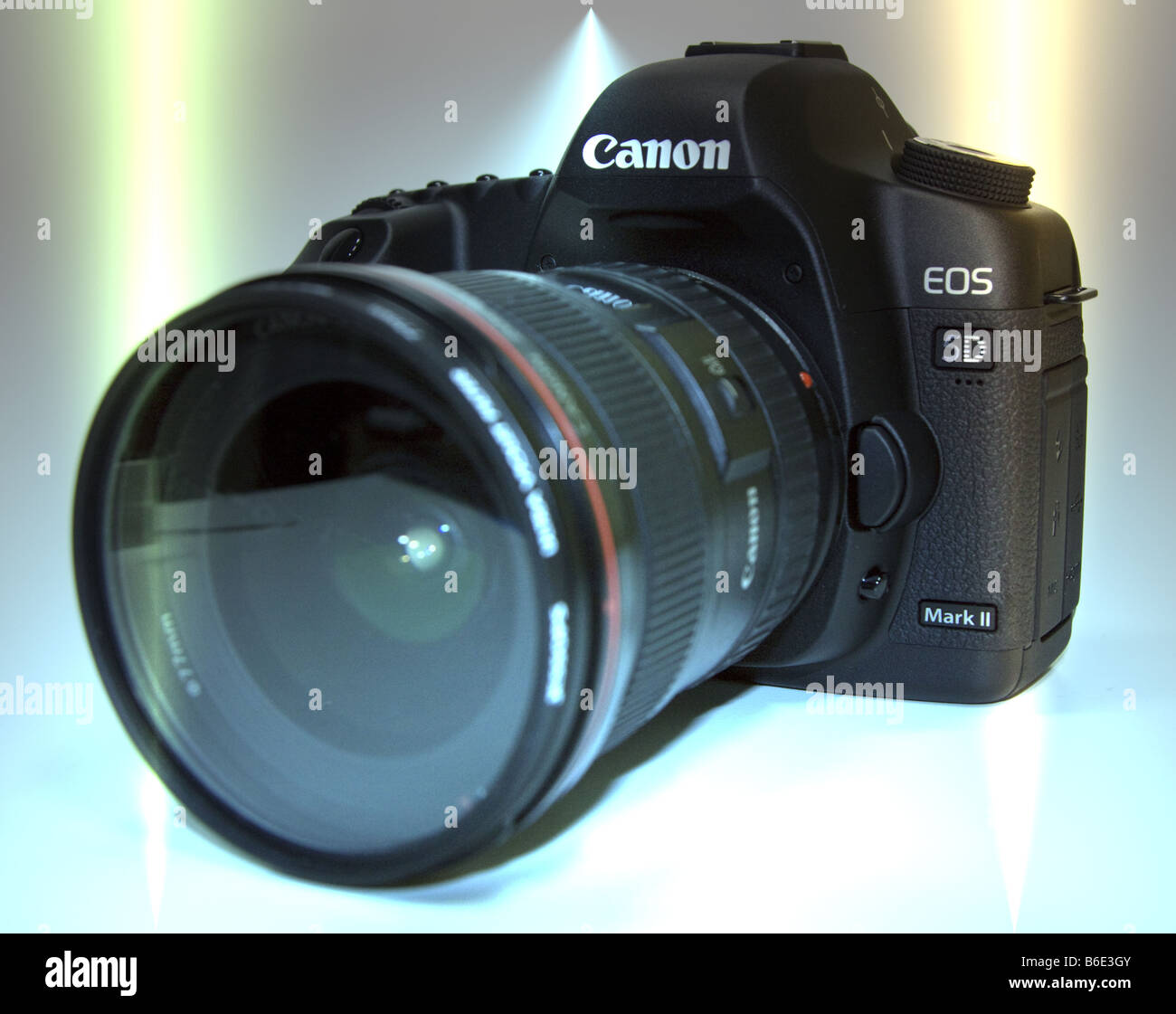 Canon EOS 5D Mk II DSLR 21 Megapixal Camera - Stock Image