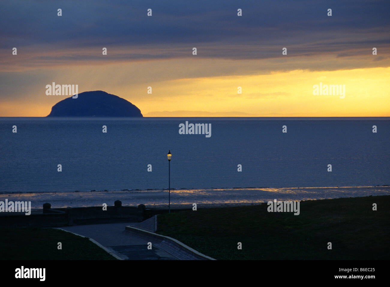view-of-ailsa-craig-at-dusk-from-girvan-sea-front-B6EC25.jpg