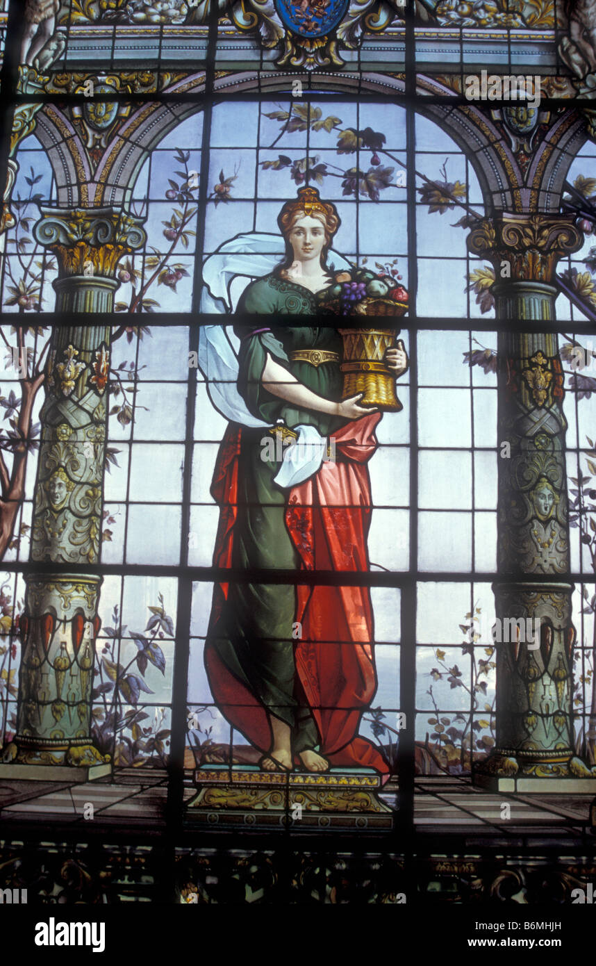 stained-glass-window-depicting-pomona-th
