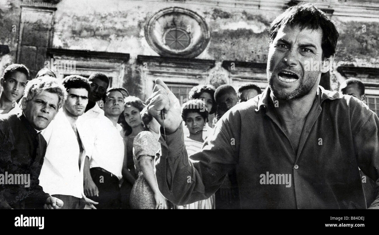 O Pagador de Promessas Year: 1962 Director: Anselmo Duarte Leonardo Villar Golden Palm - Cannes 1962 Stock Photo