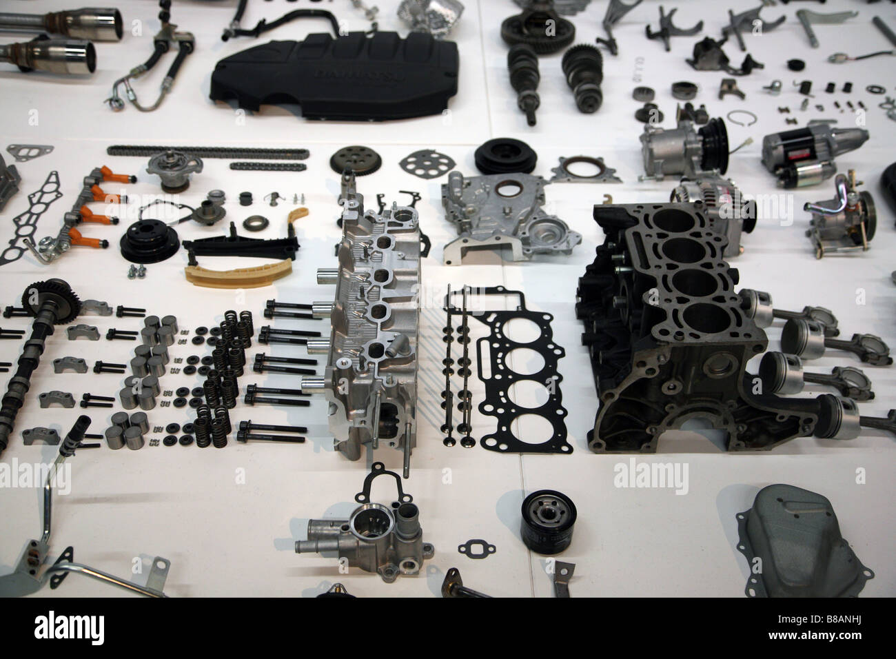 Engine Components Stock Photos & Engine Components Stock Images - Alamy
