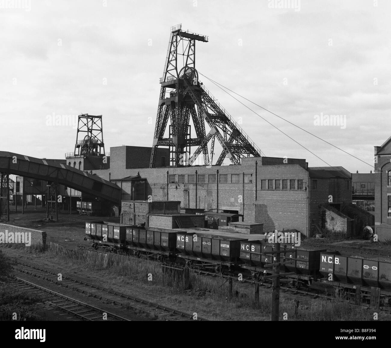 the-pithead-of-boldon-colliery-coal-mine-with-ncb-coal-trucks-in-the-B8F394.jpg