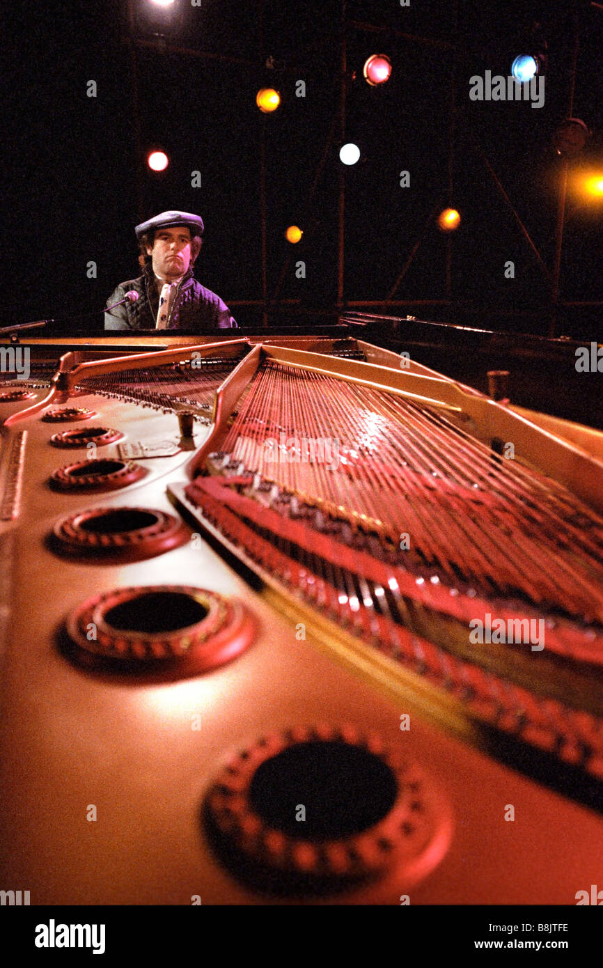 Singer songwriter Elton John seated at the piano December 1978 PER0135 - Stock Image