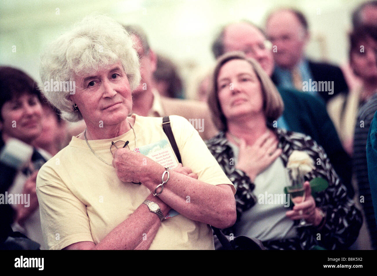 welsh-author-jan-morris-pictured-at-the-1998-hay-festival-hay-on-wye-B8K5X2.jpg