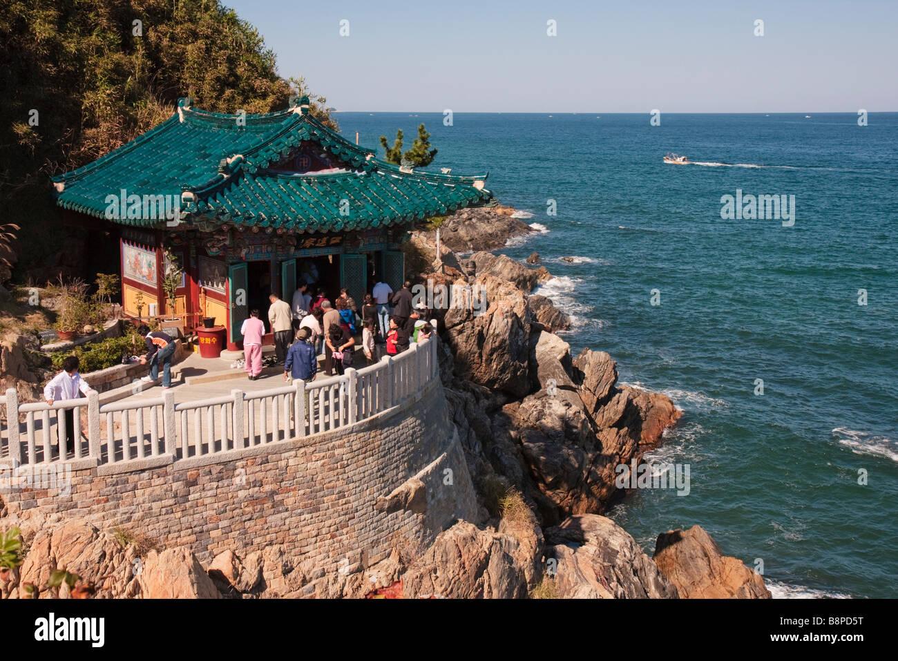 Hongyeon-am pavilion in Naksan-sa, Gangwondo, South Korea - Stock Image