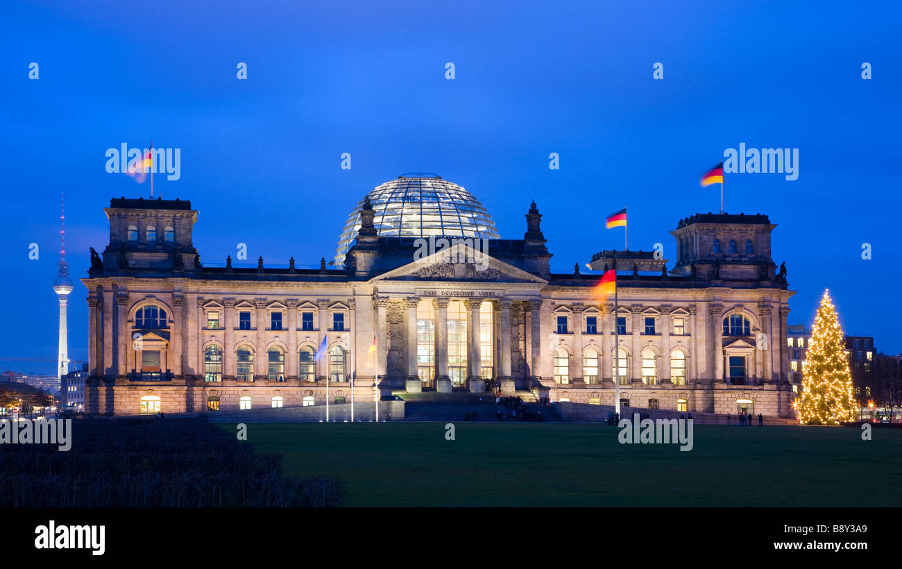 Glass Dome by Architect Norman Foster over the Reichstag Parliament Building Berlin Germany - Stock Image