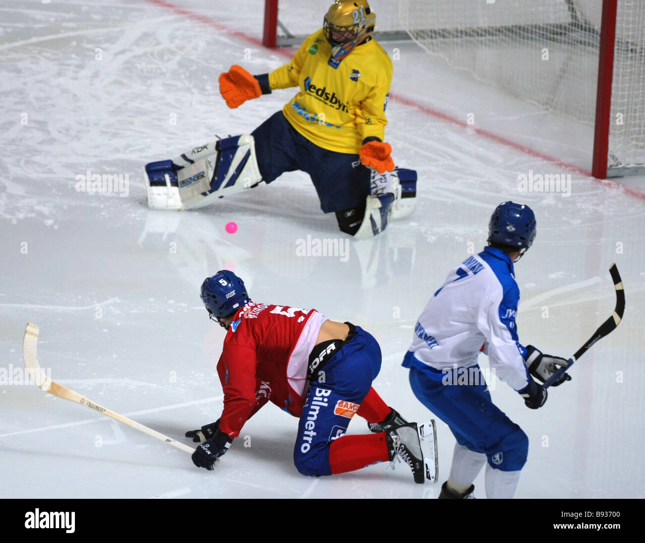 Risky moment near Edsbyn s goal in the decisive match in the Krylatskoye Stadium between Edsbyn Sweden and Dinamo - Stock Image