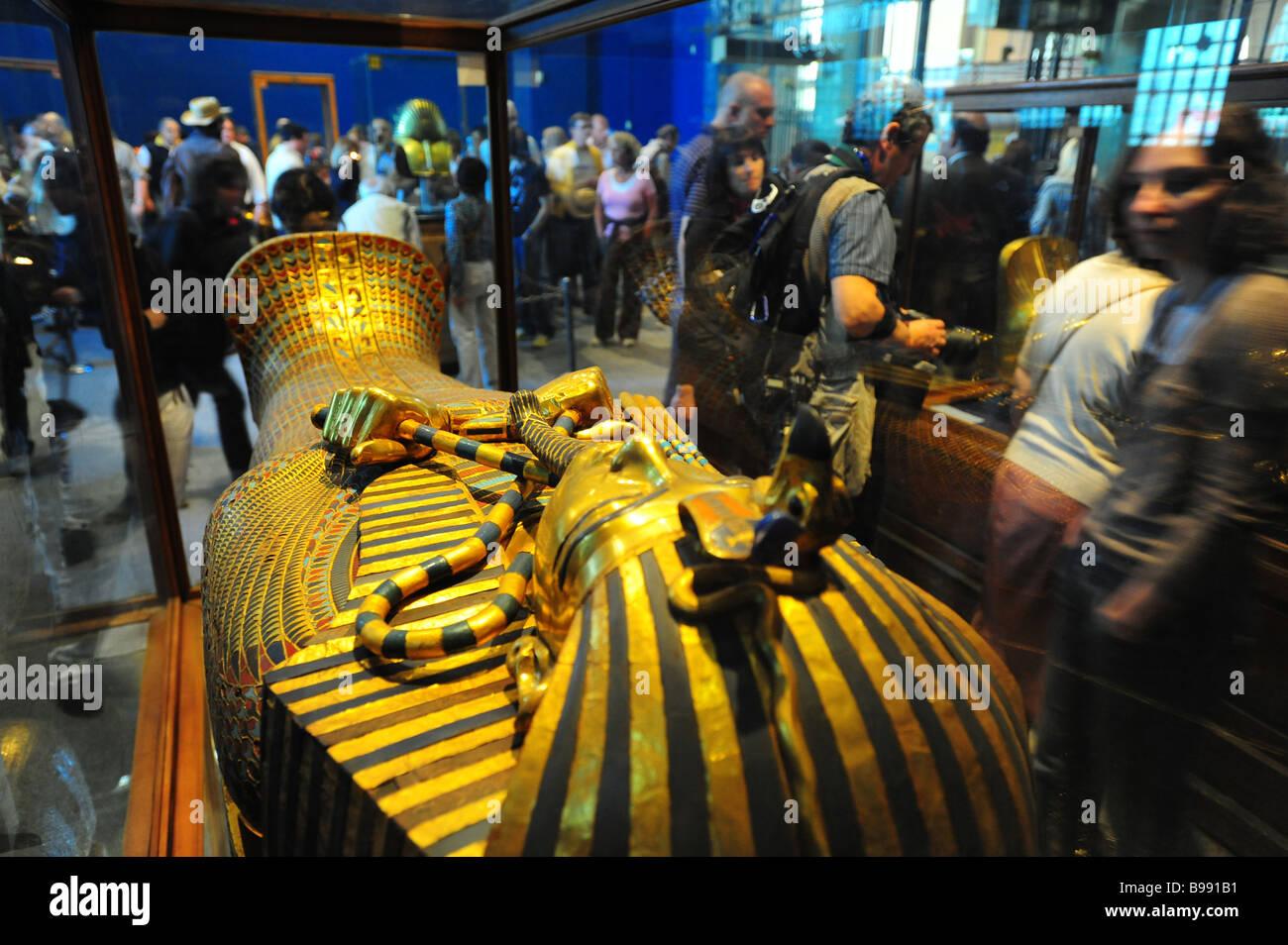 egypt-cairo-the-egyptian-museum-interior-museum-of-antiquities-and-B991B1.jpg