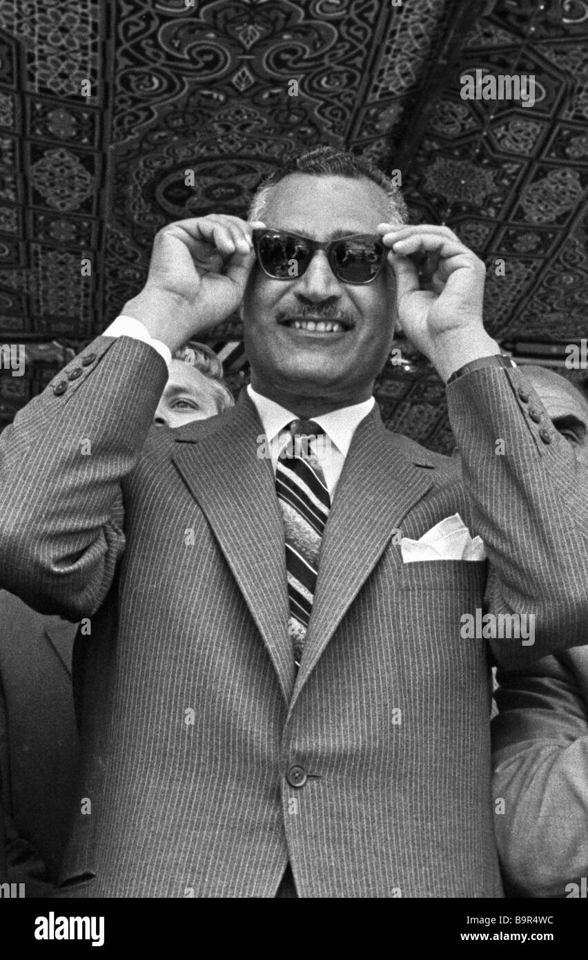 Gamal Abdel Nasser watching the damming of the Nile - Stock Image