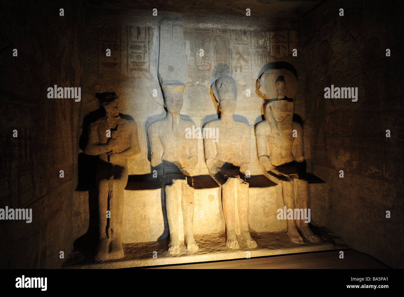 egypt-abu-simbel-temple-of-ramses-ii-interior-four-statues-of-the-BA5PA1.jpg
