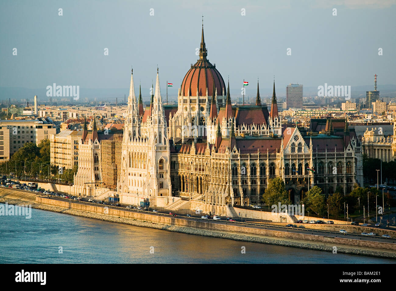 Hungarian parliament building and river danube - Stock Image