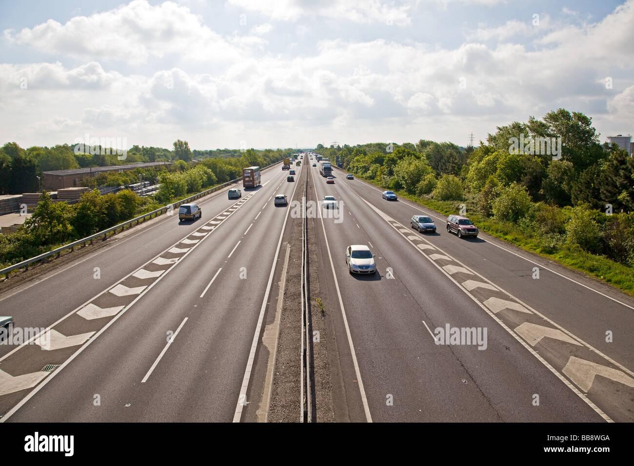 a14-looking-east-milton-cambridge-england-BB8WGA.jpg
