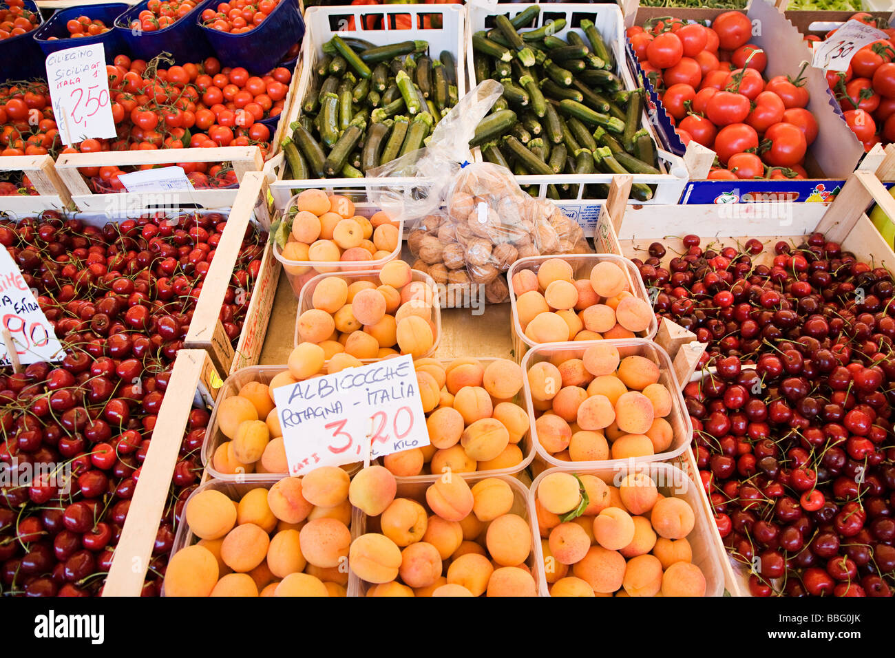 Fruit and vegetable stall - Stock Image