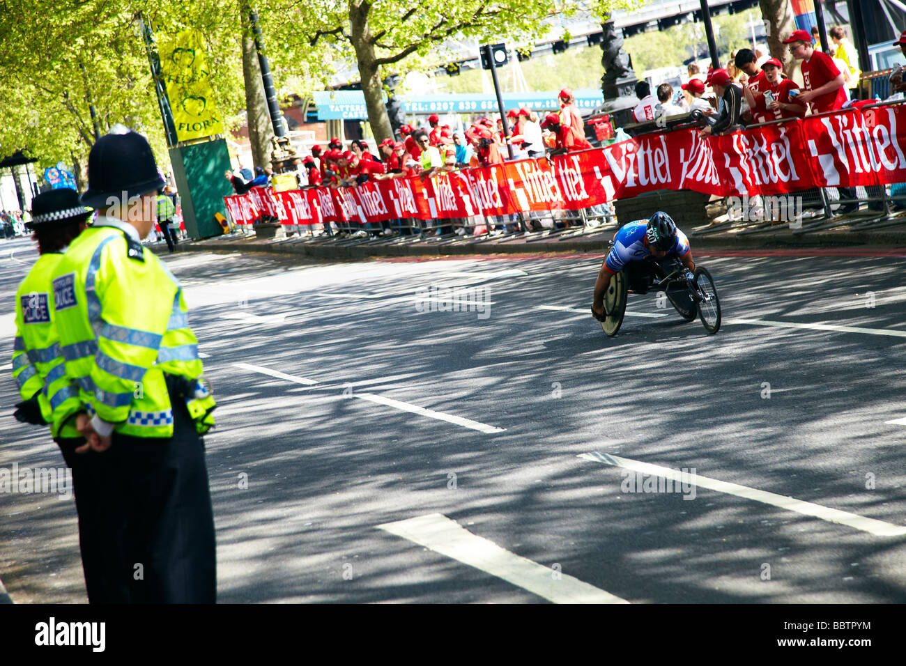 paraplegic athelete, London marathon - Stock Image