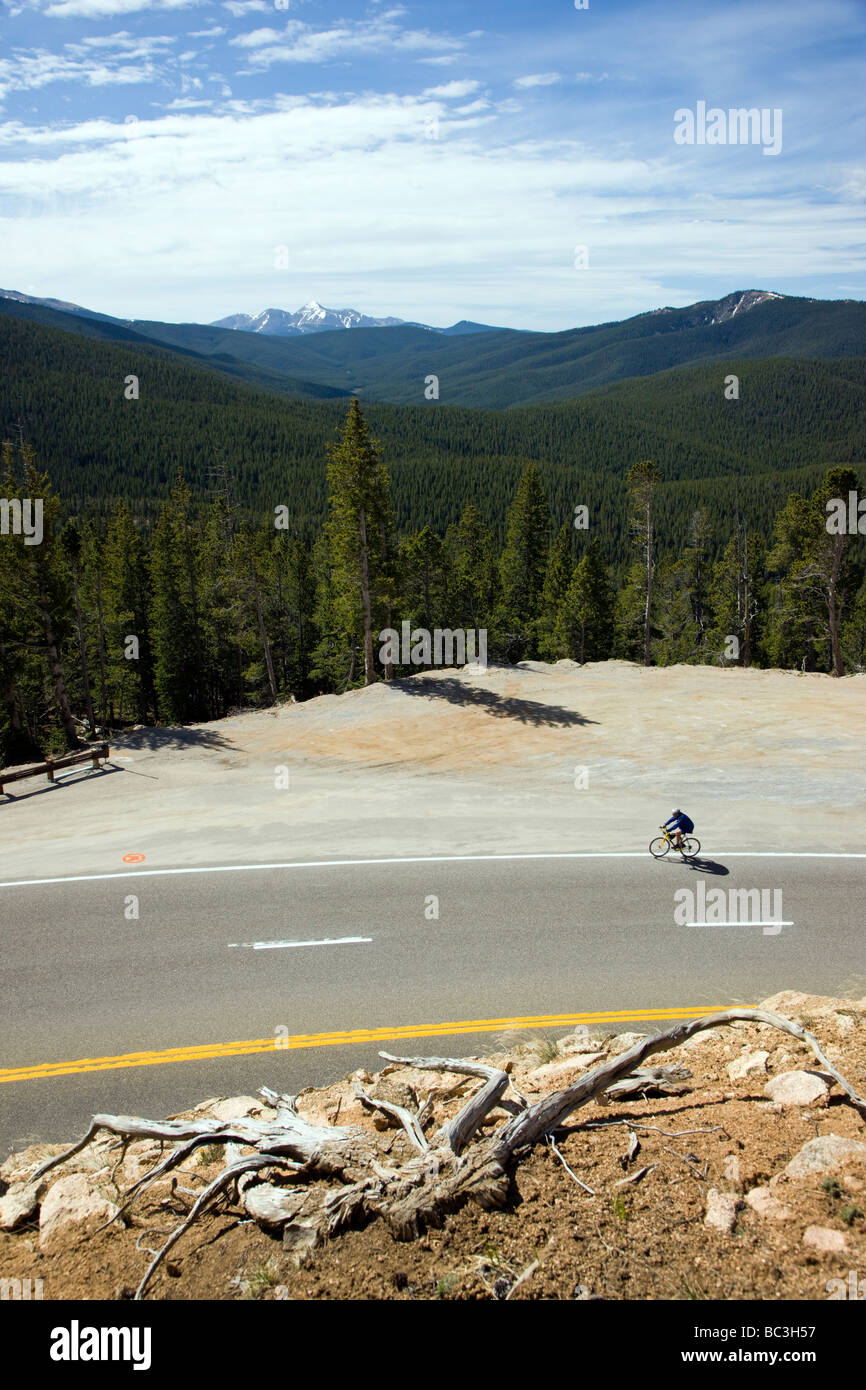 Cyclists riding on Highway 50 over Monarch Pass in Colorado during the annual Ride The Rockies bicycle tour - Stock Image