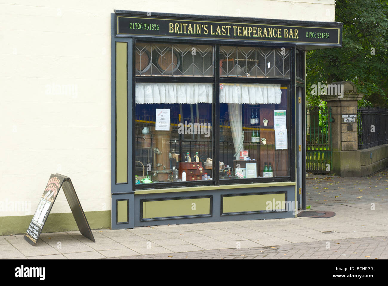 fitzpatricks-herbal-health-temperance-bar-rawtenstall-lancashire-england-BCHPGR.jpg