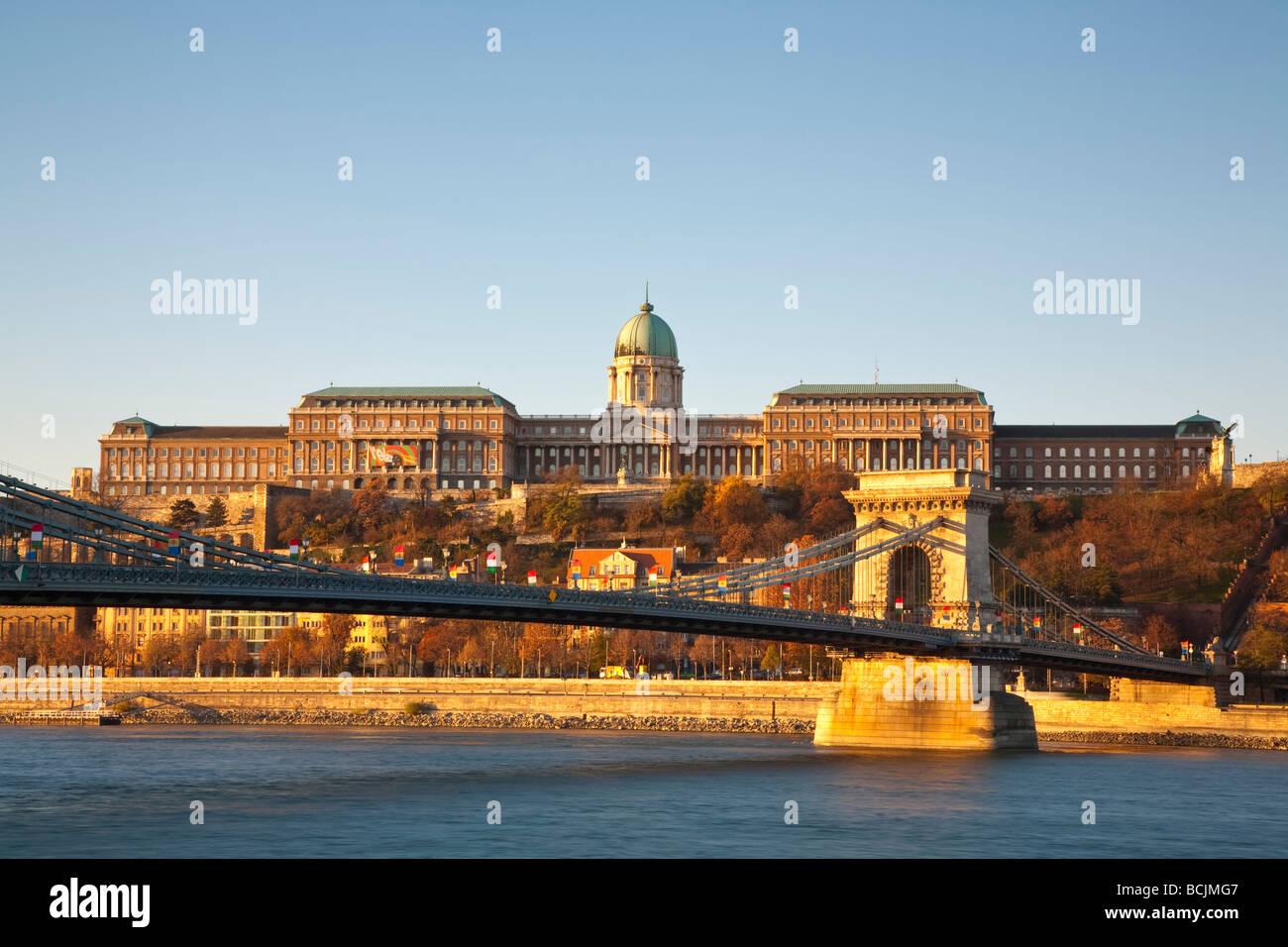 Chain Bridge & Royal Palace on Castle Hill, Budapest, Hungary, RF - Stock Image