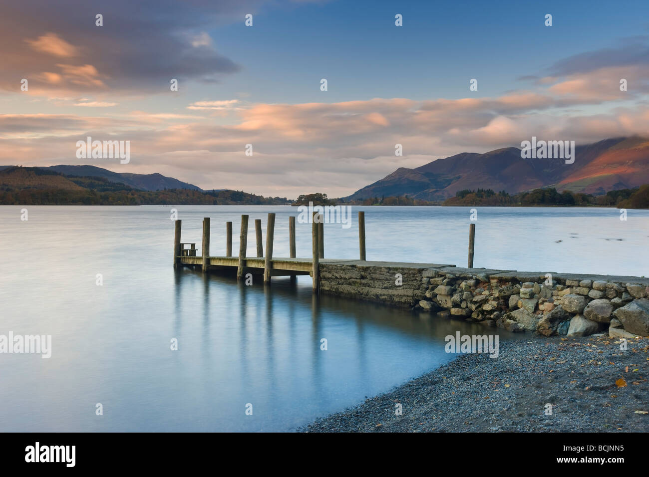Derwent Water, Lake District National Park, Cumbria, England, UK  - View along wooden jetty at Barrow Bay landing - Stock Image