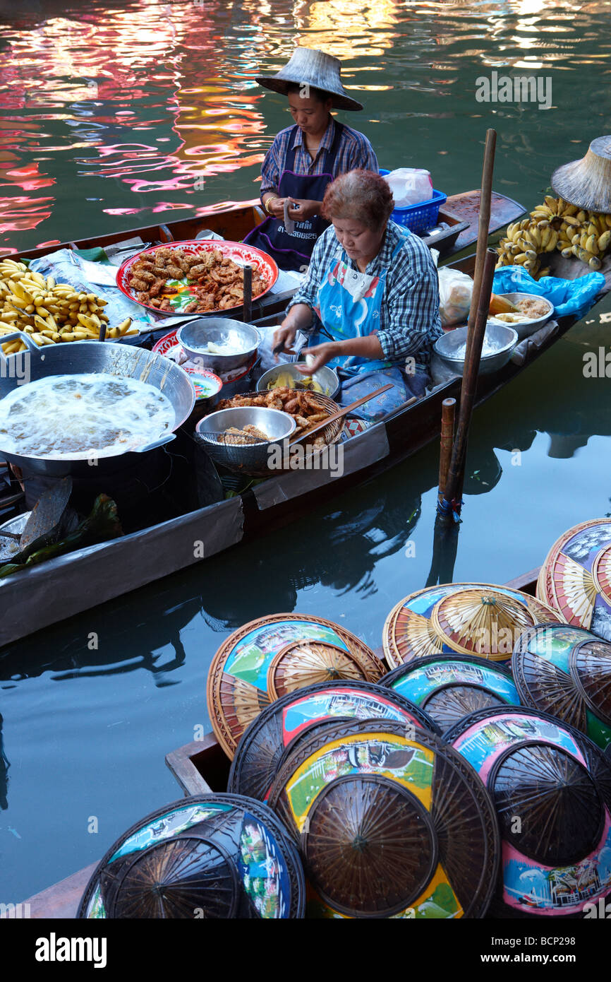 the floating market at Damnoen Saduak, nr Bngkok, Thailand - Stock Image