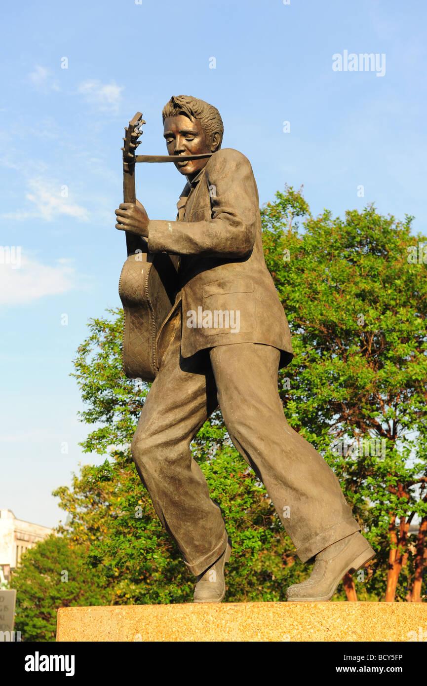 Tennessee Memphis Statue memorial to Elvis Presley Stock Photo