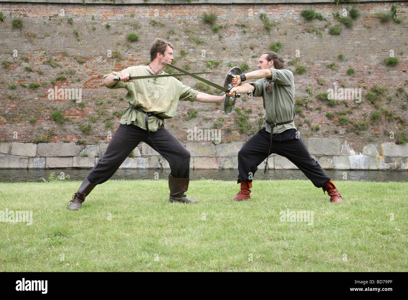 european historical combat guild showing ancient combat techniques