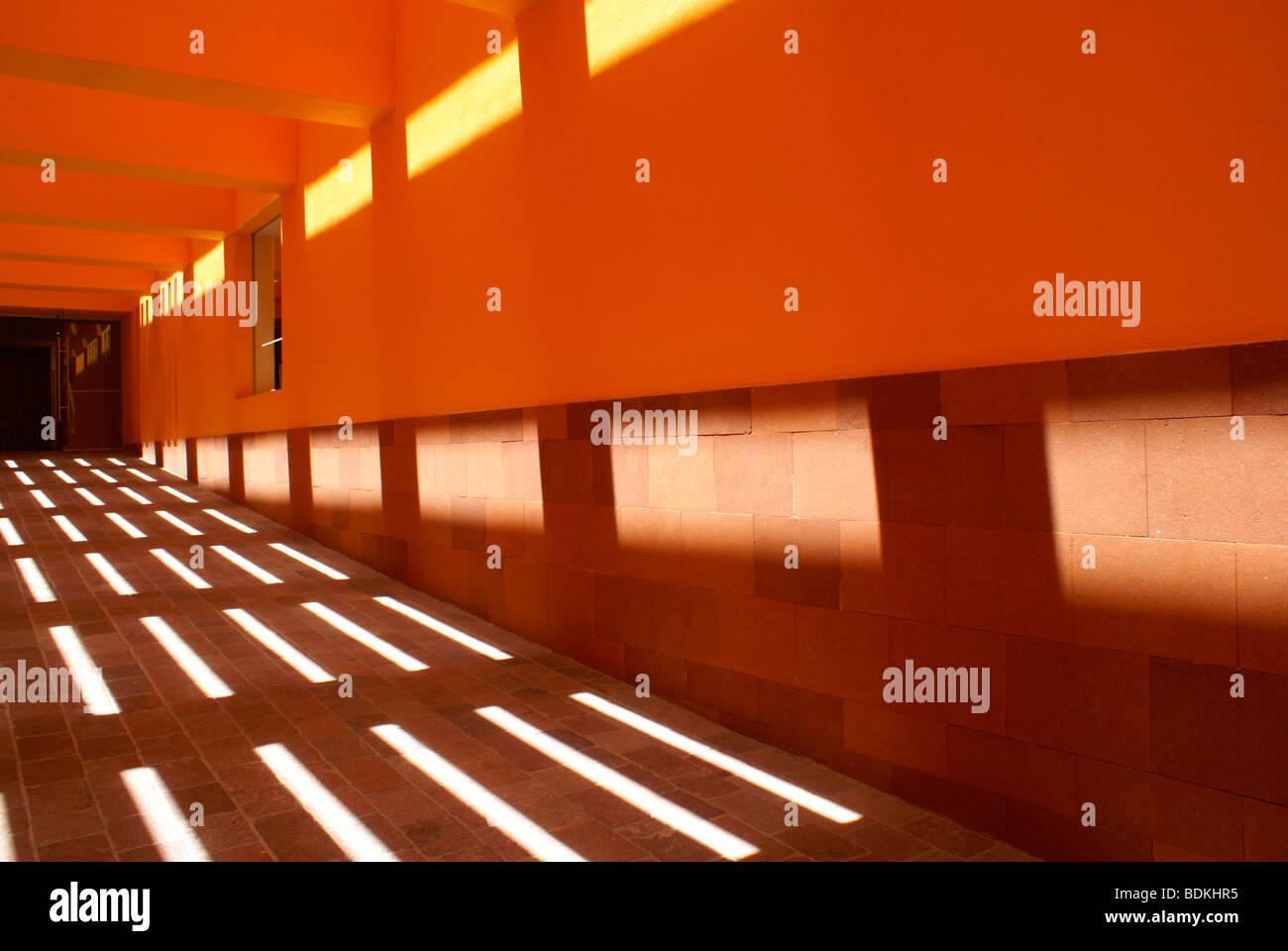 hallway-in-the-museo-del-laberinto-museu