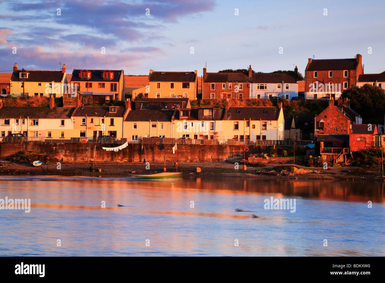 houses-of-ferryden-montrose-in-the-eveni