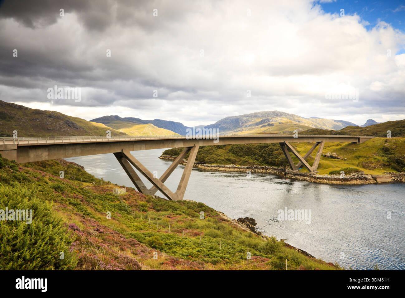 kylesku-bridge-over-loch-a-chairn-bhain-