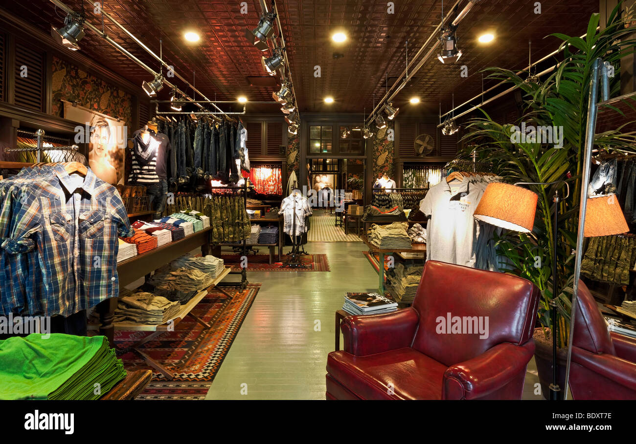 Www Hollister Clothing Store