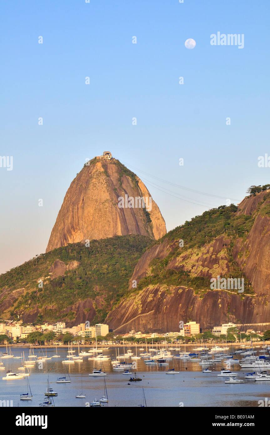Sugarloaf Mountain, Pão de Açúcar, Rio de Janeiro, Brazil, South America - Stock Image