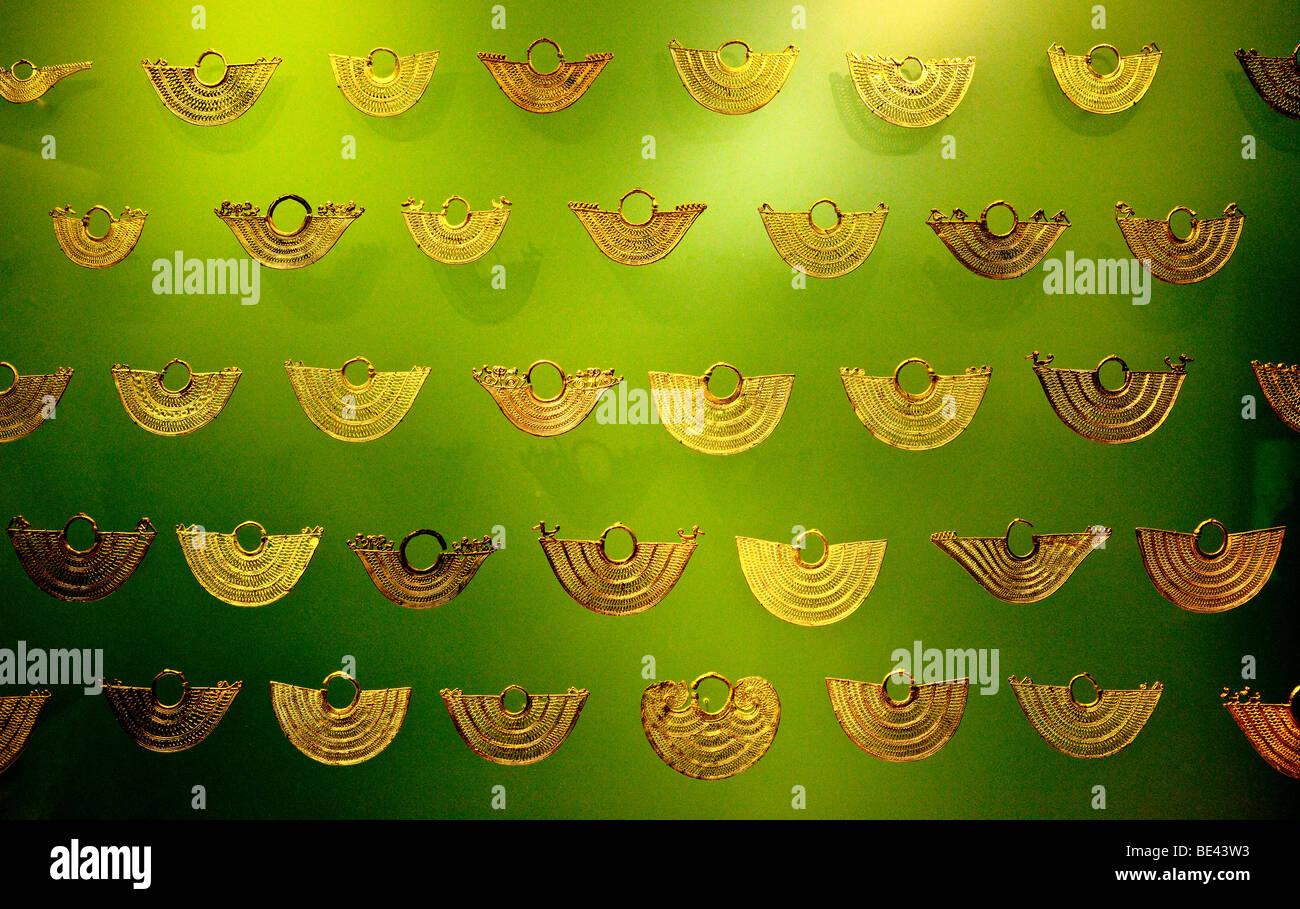 Pre-Columbian artefacts, Museo de Oro, Gold Museum, Bogota, Colombia - Stock Image