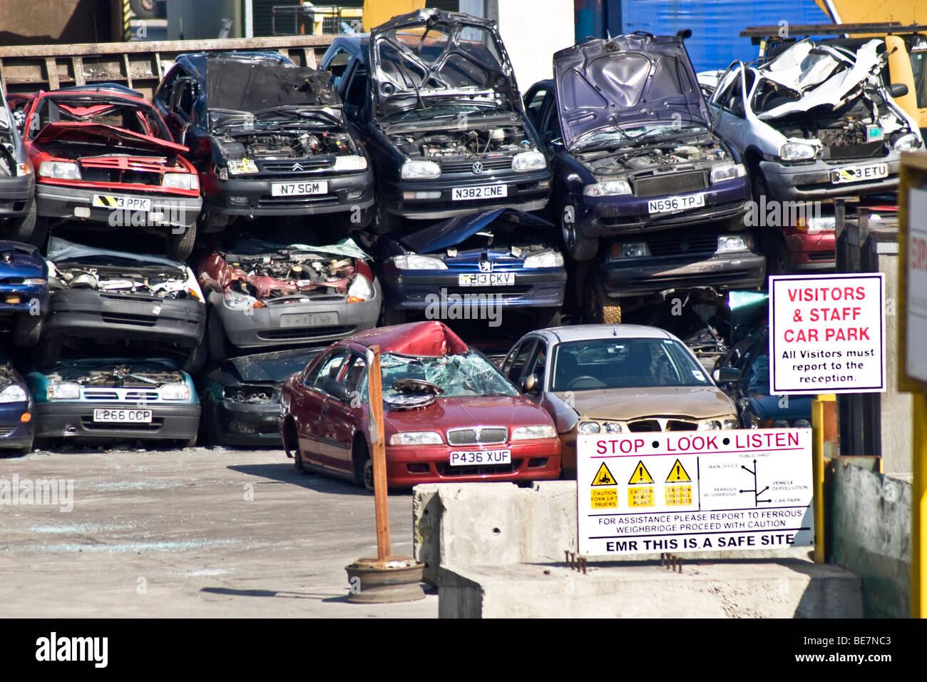 Scrap Yard Cars Uk Stock Photos & Scrap Yard Cars Uk Stock Images ...