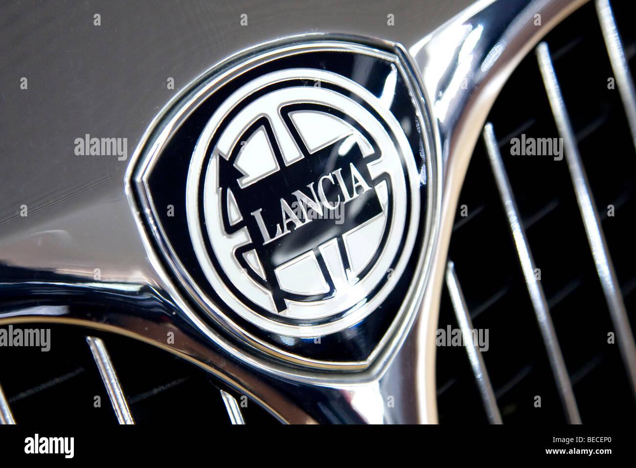 lancia emblem on a car stock photo: 26090568 - alamy